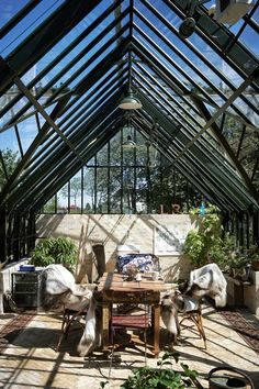 Fabulous photo - head to our commentary for a lot more ideas! Backyard Greenhouse, Mini Greenhouse, Greenhouse Ideas, Dream Garden, Home And Garden, Underground Greenhouse, Casa Retro, Simple Interior, Beautiful Interiors