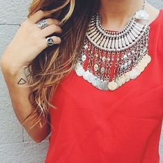 Mystery Ancient Coins Bib Necklace #fashion #style #ootd #trend #silvernecklace #statementnecklace - 29,90 @happinessboutique.com
