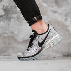Nike Flyknit Air Max: Black/White
