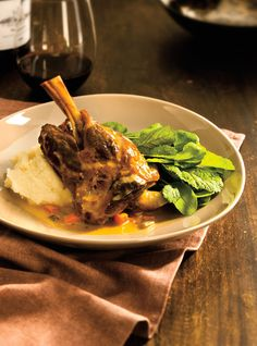 Ricardo helps you find that perfect comfort food recipe. Roasted Lamb Shanks, Braised Lamb Shanks, Lamb Recipes, Slow Cooker Recipes, Cooking Recipes, Top Recipes, Lamb Shank Recipe, How To Cook Lamb, Ricardo Recipe