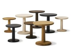 Round wooden coffee table PON by FREDERICIA FURNITURE design Jasper Morrison