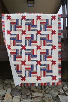 quilts of valor | This is a Great look for a Quilts of Valor project. It has the proud ...