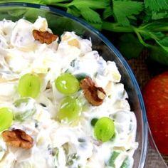 opskrift waldorf salat Good Food, Yummy Food, Danish Food, Mini Foods, Vegetarian Cooking, Potato Salad, Foodies, Salads, Food And Drink