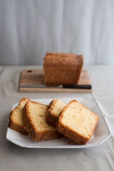 French Ginger and Orange Tea Cake / adapted from the Little Paris Kitchen (loaf; uses candied ginger, orange zest) Sweet Recipes, Cake Recipes, Dessert Recipes, Healthy Recipes, Tea Cakes, Cupcake Cakes, Cupcakes, Just Desserts, No Bake Desserts
