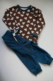 Bukser og body.... længere er den ikke.     Buksemodellen er tidligere vist her , her og her     Bodyen er fra Ottobredesign 6/2012    ...