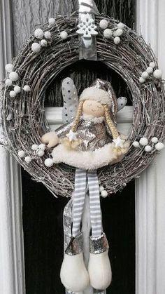 Shabby Chic Home Decor Christmas Advent Wreath, Handmade Christmas Decorations, Holiday Wreaths, Xmas Decorations, Christmas Makes, Christmas Fun, Christmas Projects, Holiday Crafts, Diy Wreath