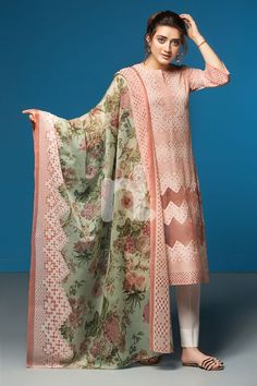 Nishat Linen Spring Summer Collection Best Lawn Dresses to Wear Pakistani Dresses Party, Pakistani Dress Design, Pakistani Outfits, Pakistani Clothing, Indian Dresses, Stylish Dress Designs, Stylish Dresses, Casual Dresses For Women, Fashion Dresses