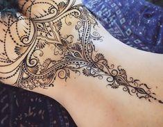 """1,002 Likes, 11 Comments - The Art of Mehndi&Erotic Henna (@ginkas_arts) on Instagram: """"Закрутила-завертела, главное повторить с другой стороны⚜️ Долго, дорого, индивидуально…"""""""