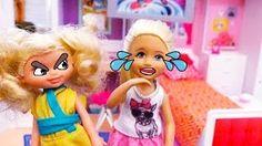 DIY emoji Barbie y Casa de muñecas que habla Hello Dreamhouse - Una niña tiene envidia de Chelsea - YouTube