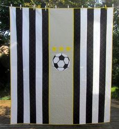 deux petites souris: Vincenzo's Soccer Quilt