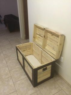 Chest Made from Pallets | 99 Pallets