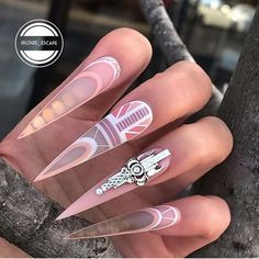 New bridal nails stiletto Ideas Bling Nails, Swag Nails, My Nails, Gold Nails, Prom Nails, Long Stiletto Nails, Pointed Nails, Uñas Jamberry, Kylie Jenner Nails