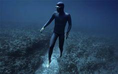 Ocean Gravity est une vidéoirréelle, réalisée parJulie Gautier pourLes films Engloutis, qui nous dévoile lapuissance des courants marins. Une vidé