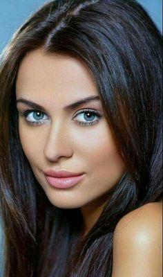 blue eyes to dive in. Black hair, pink lips smooth make up. Head shot #pinklipsblackwomen