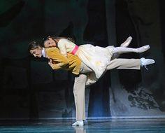 Vadim Muntagirov and Francesca Hayward in The Invitation. © Dave Morgan, courtesy the Royal Opera House.