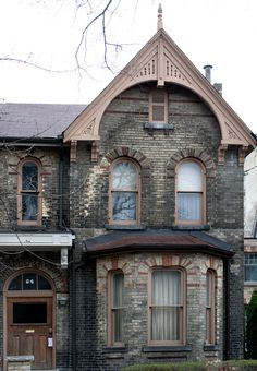 https://flic.kr/p/9JbdK3   105. Hazelton Avenue   © Billy Wilson 2011   This house is at 64 Hazelton Avenue in Yorkville, Toronto.  The Toronto Project: Hi Flickr, I have been busy finishing my degree, and now I'm done!! I have finally completed my bachelor's in biology and chemistry. I just returned from a trip to Toronto. I have taken a fascination with the city in many ways and I had a list of things to do and experience there. In my three full days of staying there and shooting I…