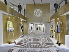 Versace abre su primera tienda en Barcelona