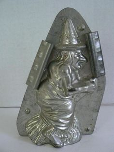 VERY RARE VINTAGE ANTON REICHE HALLOWEEN WITCH ON BROOM CHOCOLATE CANDY MOLD