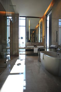 Le Meridien Bangkok—Grande Avantgarde Suite – Bathroom by LeMeridien Hotels and Resorts, via Flickr