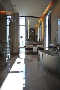 Le Meridien Bangkok—Grande Avantgarde Suite – Bathroom by LeMeridien Hotels and Resorts, via Flickr