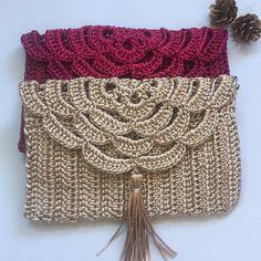 Marvelous Crochet A Shell Stitch Purse Bag Ideas. Wonderful Crochet A Shell Stitch Purse Bag Ideas. Crochet Clutch Bags, Crochet Wallet, Free Crochet Bag, Crochet Purse Patterns, Crochet Handbags, Crochet Stitches, Crochet Baby, Knitting Patterns, Knit Crochet