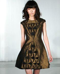 3D geometric fabric manipulation - texture & surface pattern inspiration for fashion #textiles // Ada Zanditon