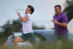 Louis is running from security <3