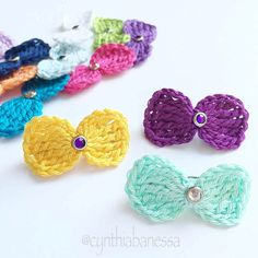 Wanna put a smile on your little girls face? Try creating these simple crochet hair bows. They are so easy and quick to create. Before you know it, you will have a dozen made in no time. Give it a …
