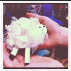 diy real wool sheep @prairiedaze.com