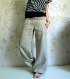 Knitting Patterns Needles Super comfortable, casual bloomers in beige made of very high quality organic linen with a great fit . Fashion Sewing, Diy Fashion, Fashion Outfits, Womens Fashion, Sewing Pants, Sewing Clothes, Diy Clothing, Clothing Patterns, Clothes Crafts