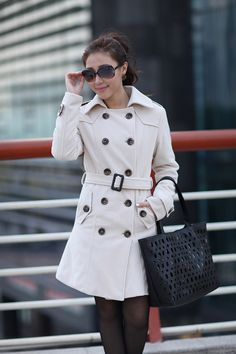 Concise Lapel Neck Double Breasted Epaulet Embellished Long Sleeve Slimming Solid Color Overcoat For Women (APRICOT,M) China Wholesale - Sammydress.com