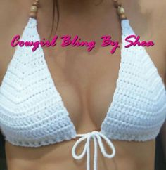"Tops em renda ""White crochet Bikini top by CowgirlBlingByShea"", ""Crochet Swimwear Traje Discovred by : Chiêu Firefly Crochet"", ""It will our indispen Motif Bikini Crochet, Crochet Bra, Crochet Clothes, Crochet Gifts, Crochet Ideas, Crochet Pillow, Beau Crochet, Mode Crochet, Crochet Style"