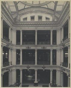 1908 . B. Altman Department Store Interior Showing the Original Rotunda, Ladies' Mile, New York City, The NewYorkologist (Old Images of New York Group)