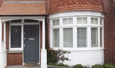 This house has been given a contemporary new look – Home decoration ideas and garde ideas Porch Uk, Front Door Porch, Exterior Front Doors, House Front Door, Exterior Windows, House Shutters, House Siding, House Windows, Grey Windows