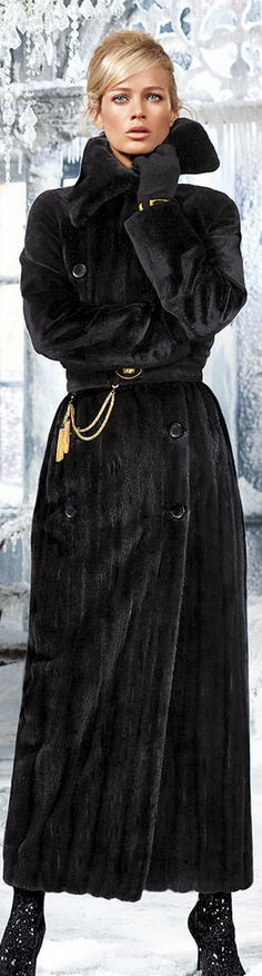 Carolyn Murphy in Blackglama fur coat Carolyn Murphy, Fur Fashion, Love Fashion, High Fashion, Womens Fashion, Style Noir, Mode Style, Fabulous Furs, Glamour