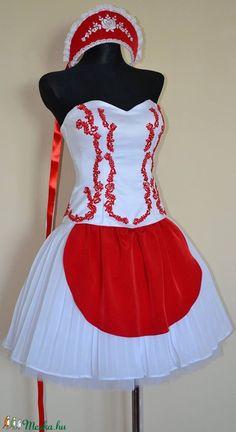 Magyaros menyecske ruha (Olorka) - Meska.hu Cheer Skirts, Gardening, Fashion, Moda, Fashion Styles, Lawn And Garden, Fashion Illustrations, Horticulture
