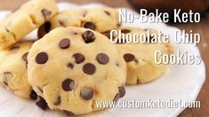 ❤️No Bake Keto 🍪Chocolate Chip Cookies. This is the reason , well one of the reasons I ❤️ love the keto diet, I can eat cookies. This is a very basic but really yummy recipe, just a few ingredients and you're in chocolate chip heaven. Keto Chocolate Chip Cookie Recipe, Sugar Free Chocolate Chips, Chocolate Chip Recipes, Cookie Recipes, Dessert Recipes, Keto Desserts, Chocolate Cookies, Flourless Desserts, Baking Chocolate