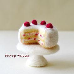Wool Needle Felting, Felted Wool, Wool Felt, Felt Cake, Felt Cupcakes, Bunny Crafts, Felt Crafts, Felt Play Food, Embroidery Needles