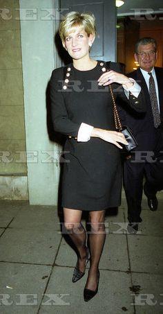 Princess Diana Rare Summer Photo On Valentino S Yacht C 1990 Princess Diana News Blog All
