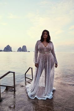 37 Best Wedding Gown for Plus Size Women You Will Love - Fashionmgz Gowns For Plus Size Women, Plus Size Outfits, Curvy Girl Fashion, Plus Size Fashion, Joma Style, Sexy Women, Curvy Bride, Plus Size Beauty, Plus Size Lingerie
