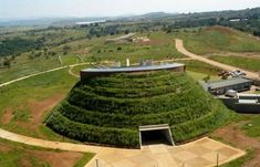 Maropeng Visitor Center in the Cradle of Humankind is a fascinating day trip for anyone visiting Gauteng, South Africa. Beautiful Landscape Pictures, Visit South Africa, Africa Travel, World Heritage Sites, Day Trip, Beautiful Beaches, The Good Place, Travel Destinations, Places To Go