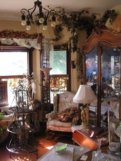 Antiques  Haeger, Hull, McCoy, Limoges, Depression Glass, Fenton, I like it all.  Love to go in an antique store & just browse.