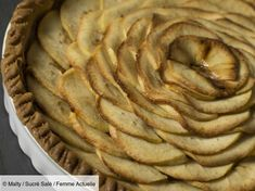 Découvrez la recette de Tarte aux pommes pâte sablée avec Femme Actuelle Le MAG Shortbread, Tarte Aux Kiwis, Food And Drink, Yummy Food, Sweets, Cake, Desserts, Recipes, Apple Pies