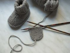 Most up-to-date Photo knitting baby socks Thoughts Babysocken stricken – Babyschuhe – Baby Knitting Patterns, Baby Patterns, Crochet Patterns, Crochet Ideas, Cardigan Bebe, Baby Cardigan, Cardigan Pattern, Knitting Socks, Free Knitting