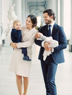 9 October 2017 - New Photos of Sweden's Prince Gabriel in the arms of his father Prince Carl Philip and Prince Alexander in the arms of his mother Princess Sofia.