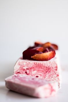 WMF Cutlery And Cookware - One Of The Most Trustworthy Cookware Producers Plum Semifreddo Frozen Desserts, Frozen Treats, Just Desserts, Dessert Recipes, Yummy Treats, Sweet Treats, Yummy Food, Parfait, Sorbets
