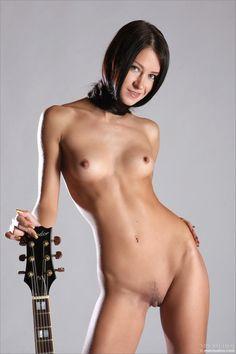 artist naked girl - Hledat Googlem