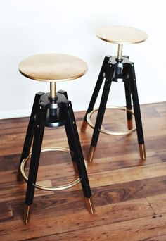 IKEA bar stools painted with gold and black laquared paint, like Whoa! Seen on 13 Chic IKEA Hacks for Your First Apartment via Hacks Ikea, Hacks Diy, Chaise Ikea, Ikea Chair, Ikea Furniture, Furniture Projects, Furniture Plans, Swivel Chair, Furniture Stores