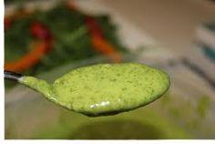 Avocado-garlic creamy salad dressing (raw)