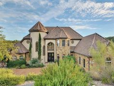 This stunning Estate located in the quiet and privately gated Meadowfox Estates has been recently remodeled and sits on a 6+ acre private wooded lot.  Bed | 5 Bath | 5 Full | 1 Parital Est. Sq .Ft. | 4,804  Details here: http://ow.ly/WVg0T